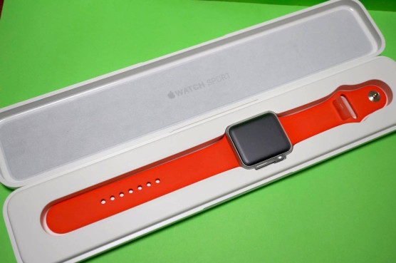201505applewatch-open2